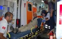 BEŞPıNAR - Hafif Ticari Araçla Otomobil Çarpıştı Açıklaması 4 Yaralı