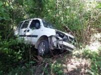 ZAFER GÜLER - Kamyonetlerin Çarpıştığı Kazada Faciadan Dönüldü