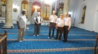 Burhaniye'de Tarihi Caminin Halıları Yenilendi
