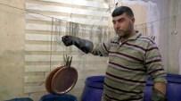ELEKTRİK AKIMI - Suriyeli Fedakar Baba Bakır İşçiliği Yaparak 4 Kız Çocuğunu Okutmaya Çalışıyor