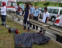 PARA NAKİL ARACI - Banka Nakil Aracı Kazaya Karıştı Açıklaması 1 Ölü, 3 Yaralı