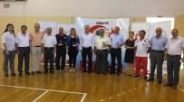 Burhaniye'de Halter Minikler Türkiye Şampiyonası Yapıldı