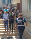 MALVARLIĞI - Karşılıksız Çek Çetesine 3 Tutuklama