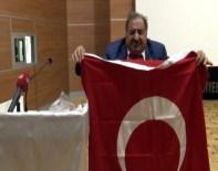 MAAŞ PROMOSYONU - Maaş Promosyonu Müjdelenen Muhtarlardan Bayraklı Sevinç Gösterisi