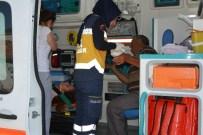 BARIŞ MANÇO - Otomobil İle Minibüs Çarpıştı Açıklaması 4 Yaralı
