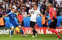 MESUT ÖZİL - Almanya Slovakya'yı Farklı Mağlup Etti