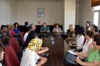 YÜKSEL MUTLU - Akdeniz Belediyesi Eş Başkanları, Kurs Öğretmenleriyle Bir Araya Geldi