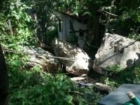 Dev Kayalar Mahalleye Yuvarlandı
