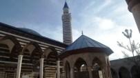 HAMBURG - (Özel) 13 Yıldır İl İl Gezerek 'İtikâfa' Giriyor