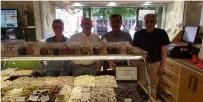 TATLANDIRICI - Şeker-İş Sendikası'ndan Tatlandırıcı Kullanmayan Esnafa Teşekkür Plaketi