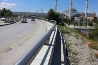 İSTANBUL YOLU - Ankara Büyükşehir'den 7 Bin Metre Oto Korkuluk