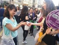 PREZERVATIF - İstiklal Caddesi'nde prezervatifli eylem