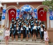 Kız Öğrencilerin Mezuniyet Sevinci