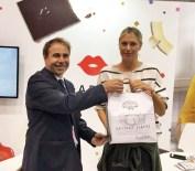 BOSTON - Rus Tenisçi Maria Sharapova, Kestane Şekerine Hayran Kaldı