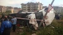 ÇUKURAMBAR - Başkent'te Servis Araçları Çarpıştı Açıklaması 6 Yaralı