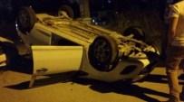 AHMET HAŞIM - Bozüyük'te 2 Otomobil Çarpıştı, 3 Yaralı