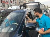 ZEMZEM - Güngören Belediyesi'nden Trafikteki Vatandaşlara İftariyelik