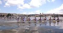 TARİHİ YARIMADA - Haliç'e Kürekler İndi, Üniversite Ve Kulüpler Kıyasıya Yarıştı