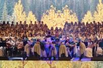 ENVER YÜCEL - Öğrencilerden Dünyaya Saygı Temalı Müzik Ve Dans Şöleni
