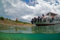 İNCİ KEFALİ - Uçan Balıkların Göçü Su Altı Kamerası İle Böyle Görüntülendi