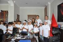 HÜSNÜ ÖZYEĞIN - Öğrencilerden Genel Sekreter Akkuş'a Ziyaret