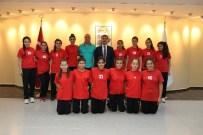 Başkan Şirin Küçük Hentbol Ve Voleybolcuları Ağırladı