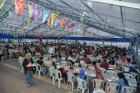 AHMET ARİF - Eş Başkanlar İftar Çadırında Yemek Dağıttı