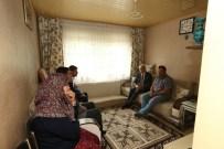 HASAN KAHRAMAN - Başkan'dan Şehit Ailesine Ziyaret