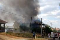 Eşme'de Ev Yangını