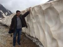 KAR KALINLIĞI - Karapet Geçidi'nde Kar Hala Erimedi