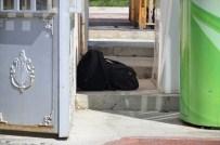 BOMBA PANİĞİ - Uşak'ta Şüpheli Valizler Korkuya Neden Oldu