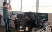DEVLET HAVA MEYDANLARı İŞLETMELERI - Yüksekova'ya 11 Ay Sonra İlk Uçak
