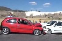 KARAHAYıT - Otomobiller Çarpıştı Açıklaması 7 Yaralı