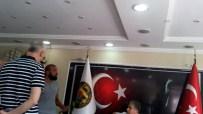İÇKİ ŞİŞESİ - Belediye Başkanına Makamında Baltalı Tehdit
