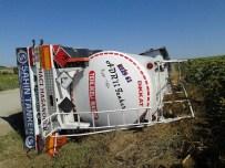 MAZOT TANKERİ - Mazot Tankeri Devrildi Açıklaması 1 Yaralı