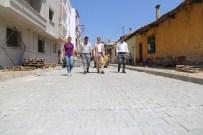Turgutlu'nun Sokakları Parke Taşlarıyla Yenileniyor