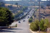 İŞÇİ SERVİSİ - Uşak'ta Zincirleme Trafik Kazası