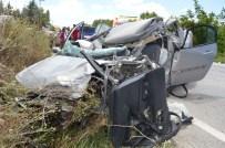 Beton Mikseri İle Otomobil Çarpıştı Açıklaması 2 Yaralı