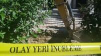 KANALİZASYON ÇALIŞMASI - Beyoğlu'nda Kazı Çalışmasında Kemik Parçaları Bulundu