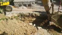 KANALİZASYON ÇALIŞMASI - Beyoğlu'ndaki Kazıda İnsan Kemikleri Bulundu