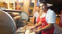 Burhaniye'de Yazlıkçılar Kokoreci Sevdi