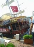 GEZİ TEKNESİ - Güzelçamlı'da Gezi Teknesi Kayalıklara Çarptı