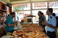 MASA SANDALYE - Emirdağ Belediyesi Zabıta Ekipleri Fırsatçılara Göz Açtırmıyor