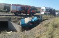 Şarampole Uçan Otomobildeki 5 Kişi Öldü