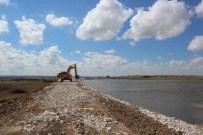 SINANLı - Göletlerde Gövde Yükseltme Çalışmaları Yapılıyor