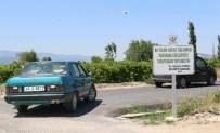 HÜSEYIN YARALı - Toprak Yol Asfaltlandı, Ulaşım Rahatladı