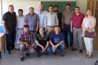 MEHMET YAVUZ - 25 Yıl Önce Tebeşir Tozu Yuttukları Sınıfta Buluştular