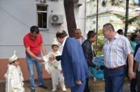 GÜLÜÇ - Alaplı Belediye Başkanı Nuri Tekin'den Yardımlaşma Örneği