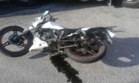 TARIŞ - Nazilli'de TIR Motosiklete Çarptı; 1 Yaralı