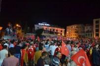 KİLİS VALİSİ - Darbe Girişimine Karşı Kilisliler Sokağa Döküldü
